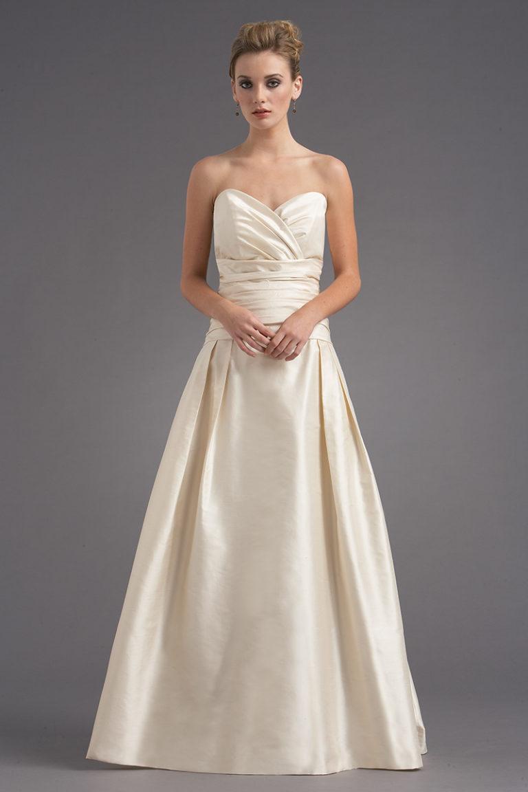 Siri - San Francisco Bridal Gown - Vivaldi Bridal Gown 5795