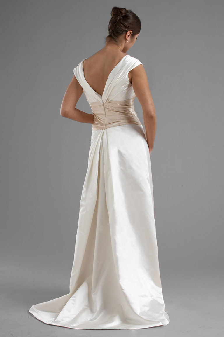 Siri - San Francisco Bridak Gowns - Vivian Bridal Gown 9497