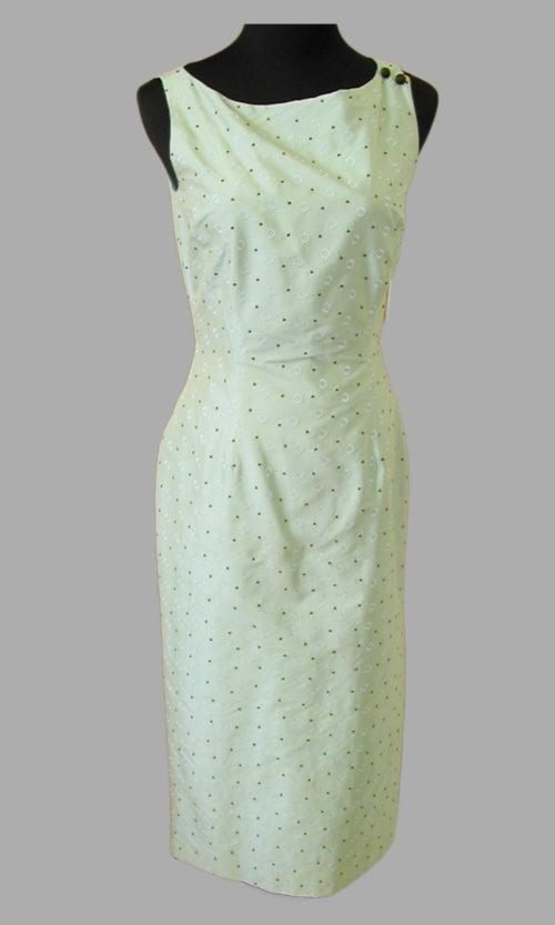 Siri - San Francisco Day Dresses - 2-Button Sheath 5446
