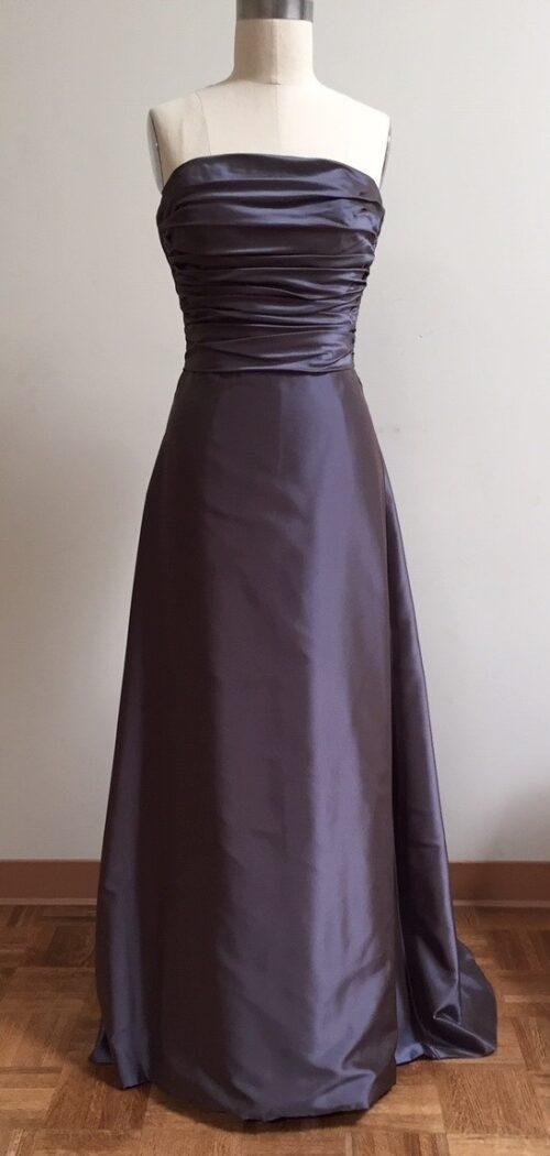 Siri dark blue gown